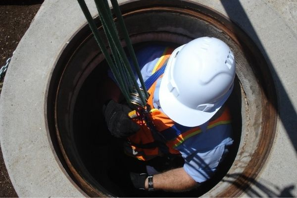 Work-in-confined-spaces-training-course